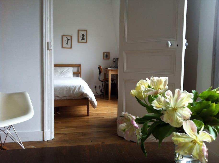 Charming 6th floor Parisian Apt