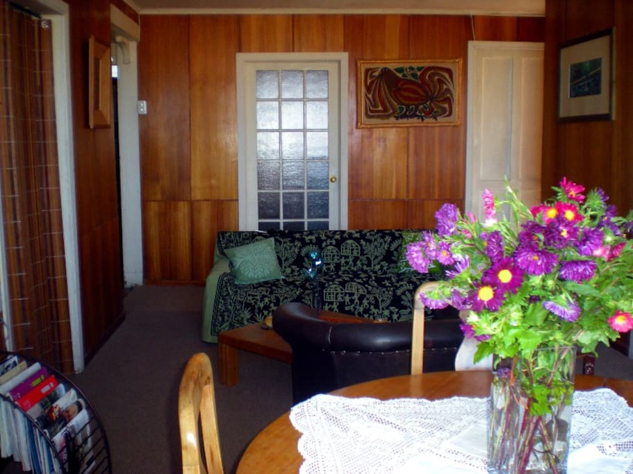 Lil' guest house w/3 rooms - Room 1