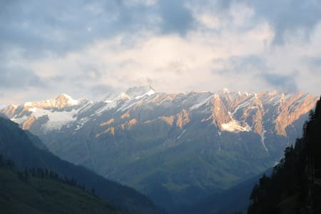 HIMALAYAN HOME HIGH ABOVE VASHIST. -  Manali  - Casa