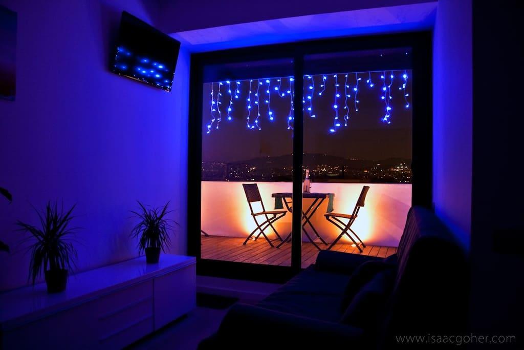 LIVING ROOM NIGHT VIEW