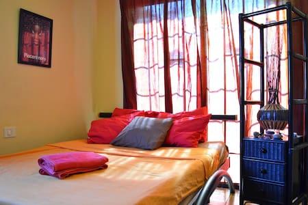 DoubleBed Room @Los Amigos House :) - El Medano (La Mareta) - Villa