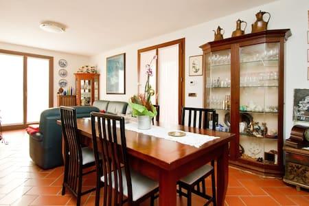 Camera di Alessandra, stanza matrimoniale/ doppia - San Pier D'isonzo