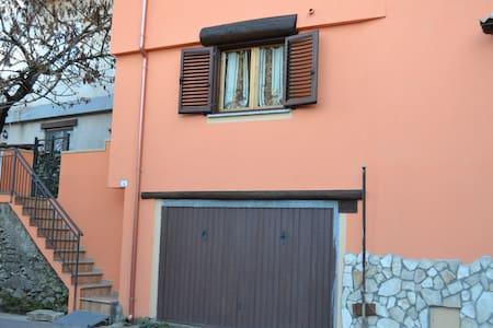 Aritzo, Appartamento bello e comodo - Aritzo
