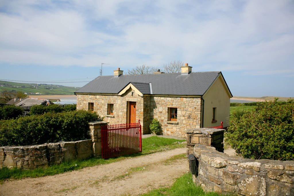 Rural Irish Cottage By The Sea Houses For Rent In Mayo