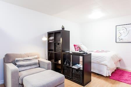 """Studio """"Amandine et Chocolat """" - Apartment"""