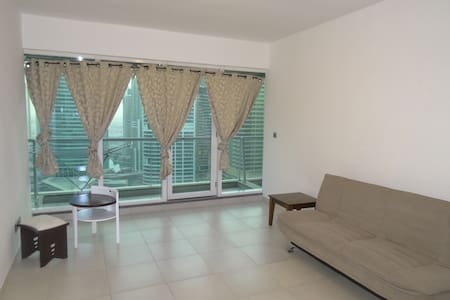 Bedroom in JLT with view and private bathroom - Dubaj