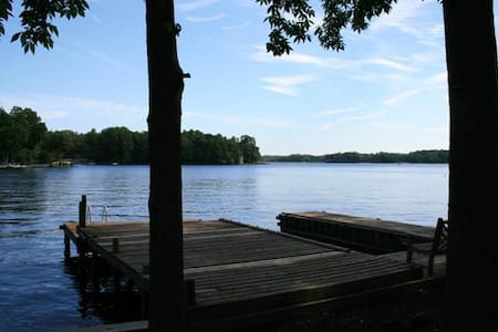 5 star Vacation Lake House - Locust Grove - House