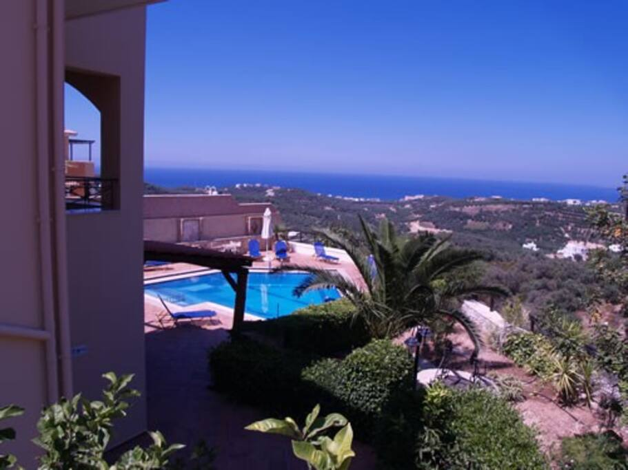 250 sm Villa in Stalos- Chania