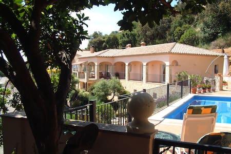Luxury villa on Costa Brava perfect for families - Villa