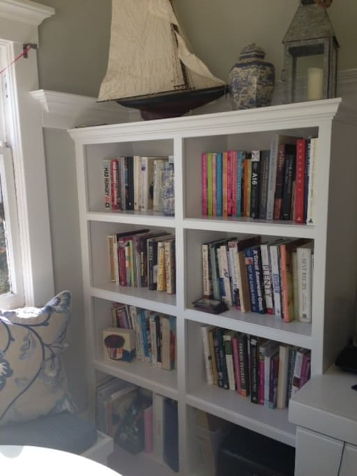 Cookbook library in breakfast room