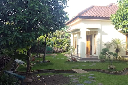 Villa Kebun Akung - Villa