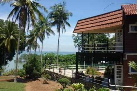 De Shahruls - Sanctuary by the sea - Port Dickson