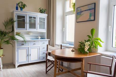 Mirabelle die feine Neustadtwohnung - Apartamento