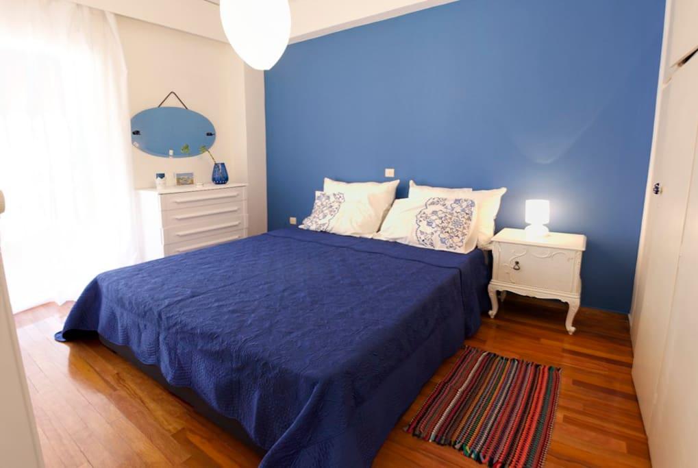 Colorful Vintage Piraeus Apartment