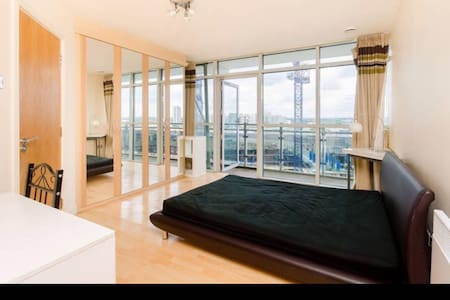 Stunning Penthouse in the middle of Stratford MALL - Londres