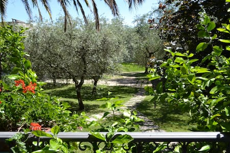 Garden Apartment, relaxing place - Toscolano Maderno