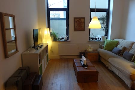 2 Zimmer in Altbauwohnung in Mitte - Apartamento