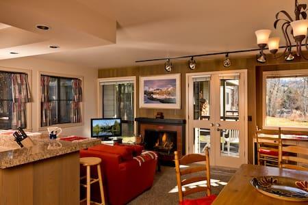 Sun Valley Condo w/ Resort Access!! - 아파트