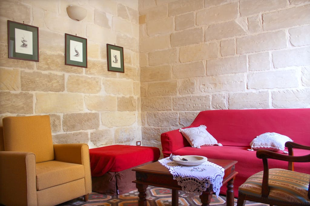SUGGESTIVA CASA IN PIETRA LECCESE - Houses for Rent in Lecce