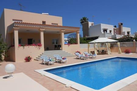 Private room in Ibiza with pool (2) - Sant Josep de sa Talaia - Casa de camp