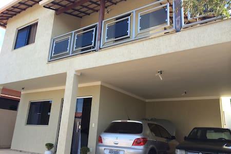 """Casa 4Q a 35km do """"Mineirão"""" - House"""
