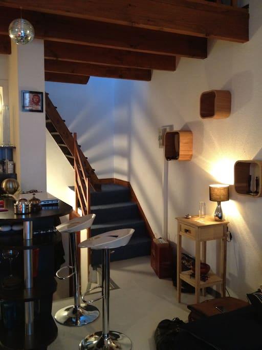 Entrée, Escalier pour rejoindre la chambre