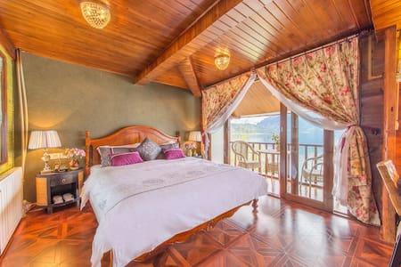 双阳台湖景豪华蜜月房(摩梭木楞与美式乡村混搭风格) - Lijiang