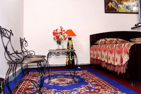 Tweet Tweet Homestay (Deluxe Room) - Shimla - Bed & Breakfast