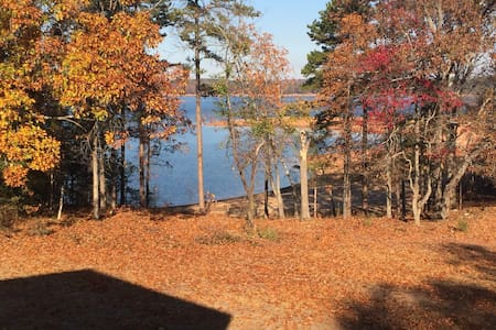 4bd/4ba Lake House minutes from Downtown Hartwell - Hartwell - Ev