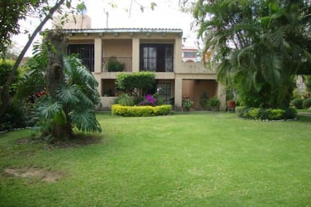 Preciosa Casa en Cuautla (Brisas) - House