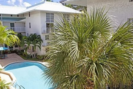 2 BR in the Heart of Key Biscayne*