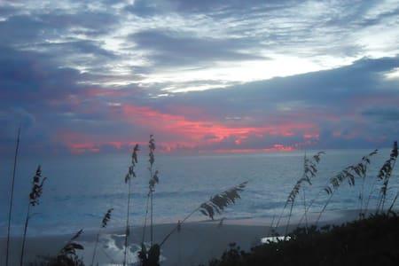 Beachfront villa, Great Exuma, Bahamas - Villa