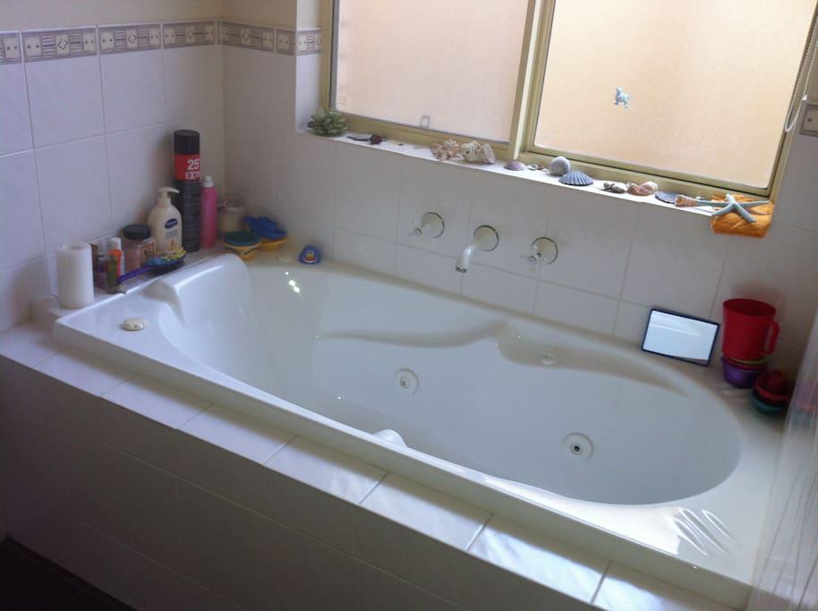 Bath in guest bathroom