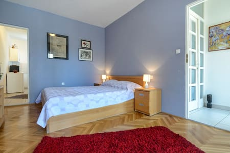 Cosy apartment close to Old town