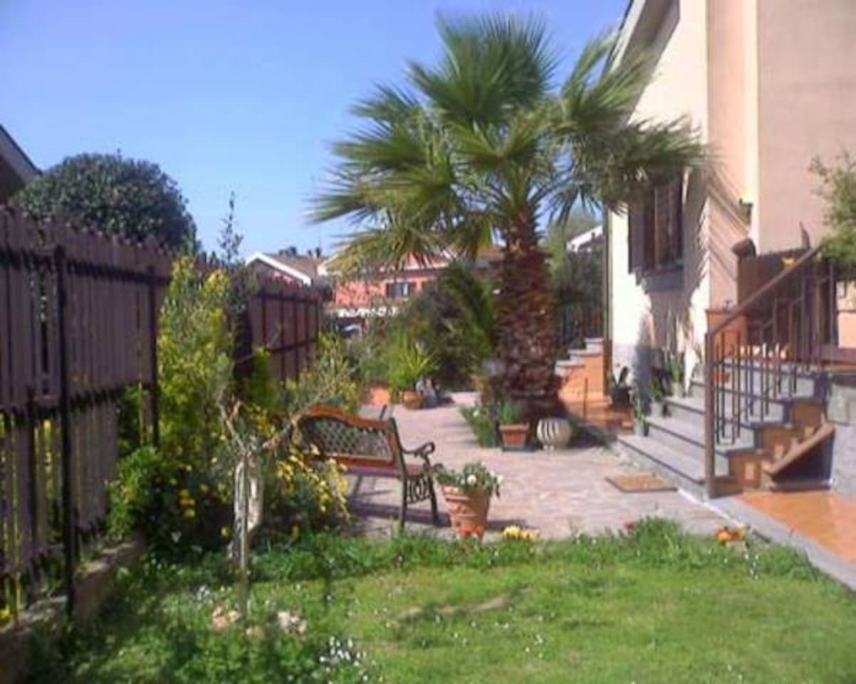 Garden bed and breakfast Country house rome eur