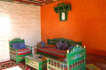 location des chambres équipées  - houmet-essouk route touristique