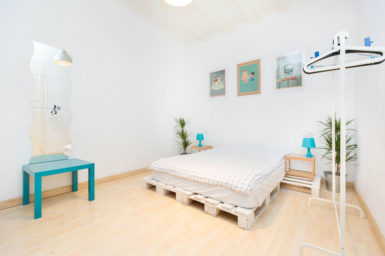 Bright modern room in el Borne