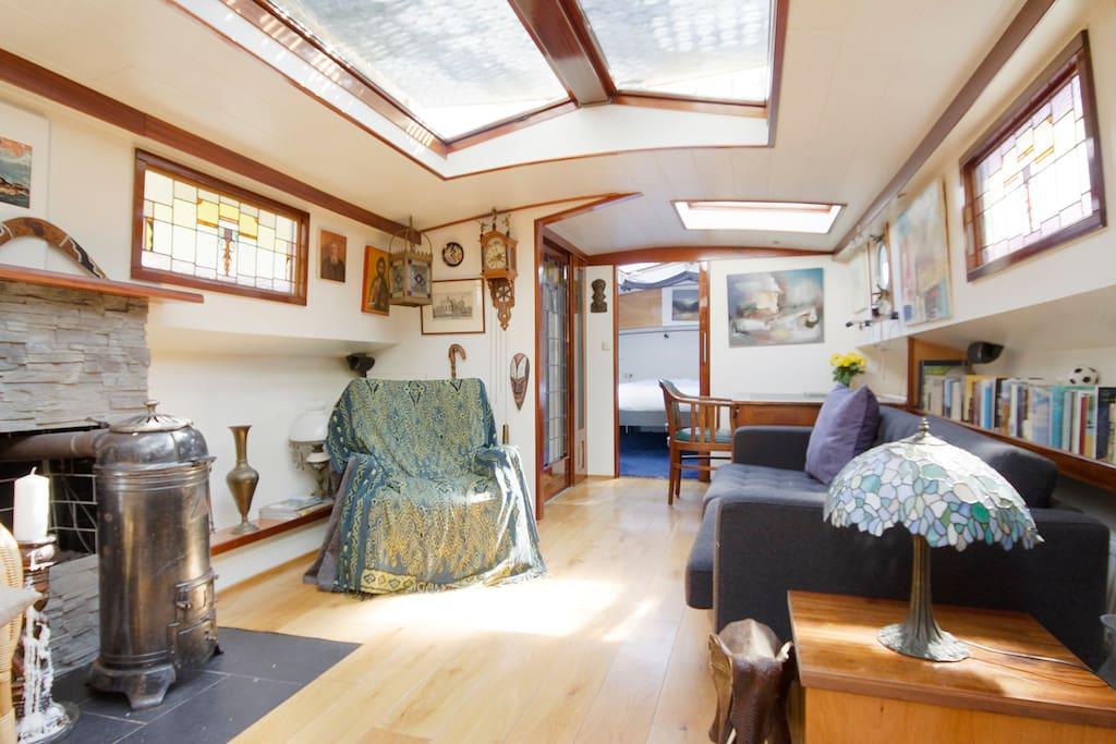 Houseboat on Prinsengracht Jordaan
