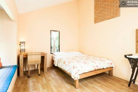 A/C Free WiFi & Private bathroom_A3 - เทศบาลนครเชียงใหม่ - Bed & Breakfast