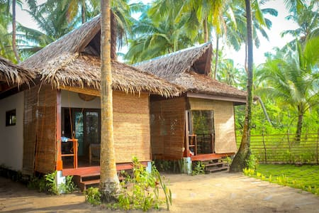 Surfing Carabao Beach House 1 - Bungalow