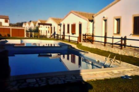 Villetta con piscina a Viddalba(SS) - Viddalba - Talo