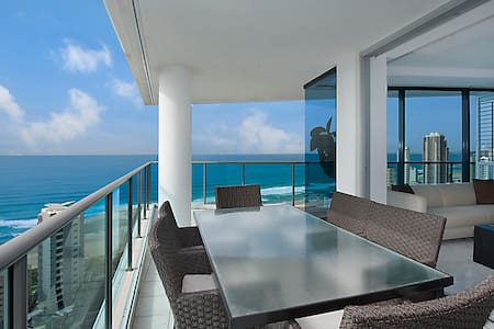 Artique 27th Level Great Beach View (private room) - Apartment