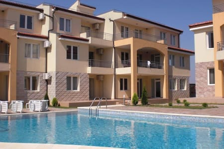 Family Apartment Near the Black Sea - Lägenhet