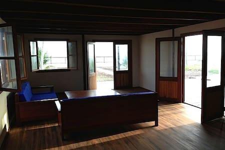 Iroko Villa: Ghana beach house - Kokrobite