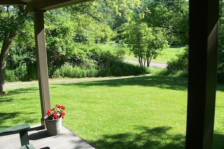 Your own private home in a country setting - Lindley - House