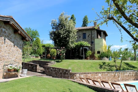 Great Rome countryside villa + pool
