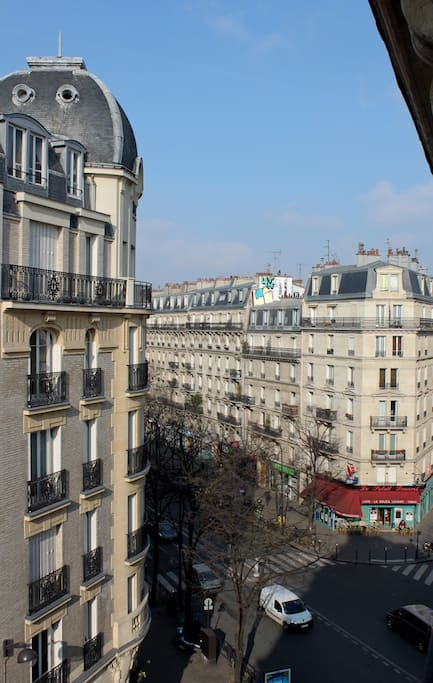 "The view at 5th floor in a typical ""haussmanien""  neighboorhood."