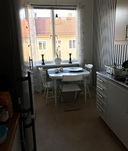 10 min to the town with bus/trams - Gotemburgo - Apartamento