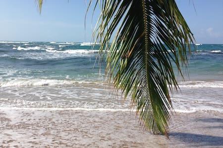 Villa Uva Blue - Near Beach!