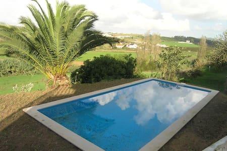 Villa Safarujo , moradia no campo com piscina - Santo Isidoro